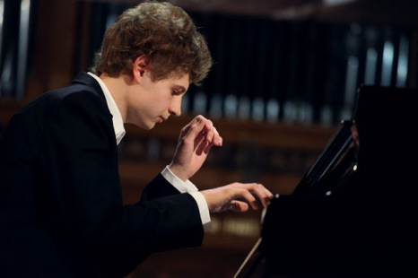Pavel Kolesnikov · piano